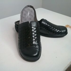 Softwalk Black Leather Mules Comfort Shoes Size 11